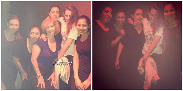 Nouvelles photos de Kris avec des fans dans un restaurant. (15/03)