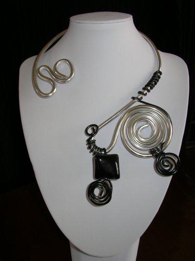 2 nouveaux colliers