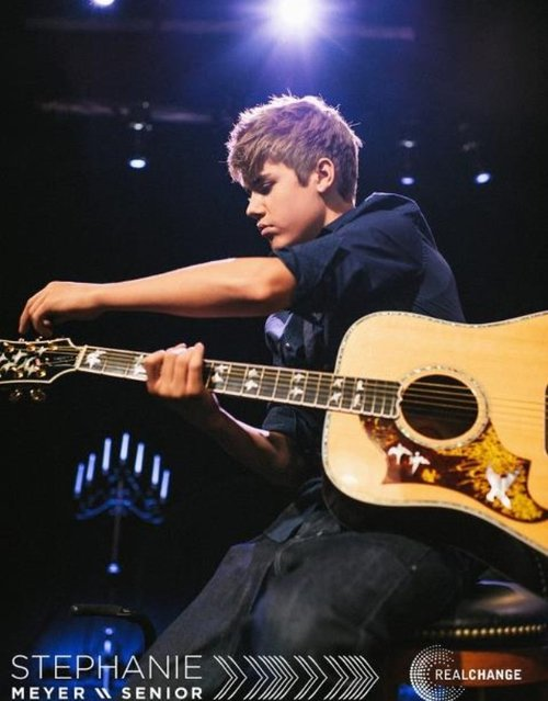 Justin chante pour Ophrah ( Chicago ) + instagram / twitter