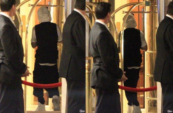 9 Mai 2014 - Beverly Hills : Justin retourne à son hôtel en début de matinée