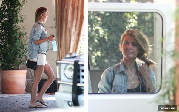 Audrina quitte le Sunset Tower hôtel, à West Hollywood le 31 juillet