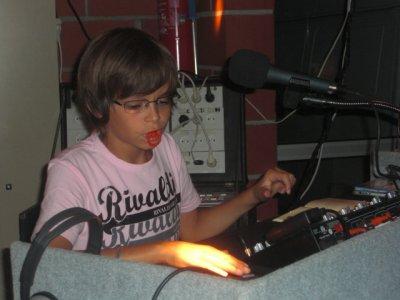 DJ v@v@