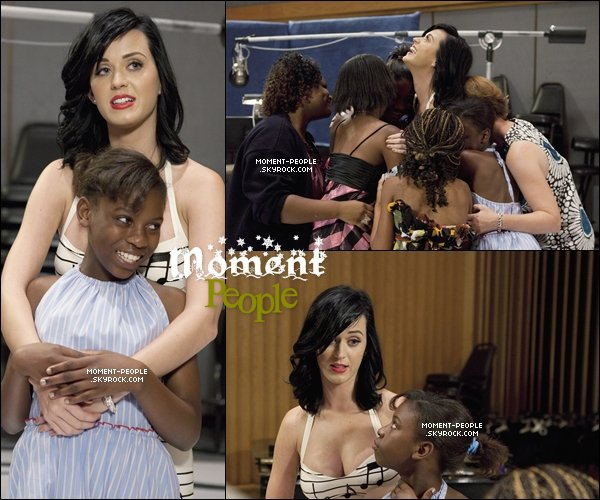 21/09/10 :   Katy Perry était sur le set de « EXTREME MAKEOVER. » ! JOLIE ET SOURIANTE. (l)