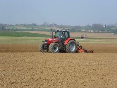 travail des terres pour les betteraves