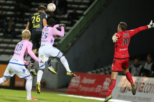 11ère journée LIGUE 1 2012-2013  Evian TG 0-2 Lille