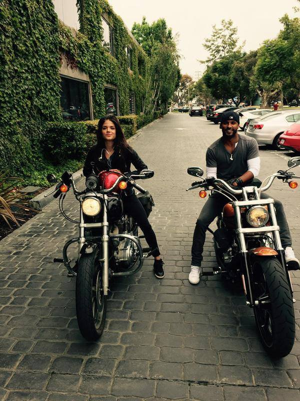 Marie Avgeropoulos & Ricky Whitle
