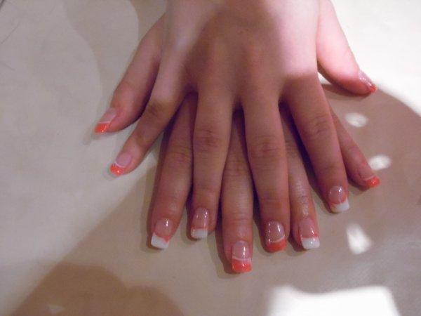french blanche 1 doigts sur deux et orange
