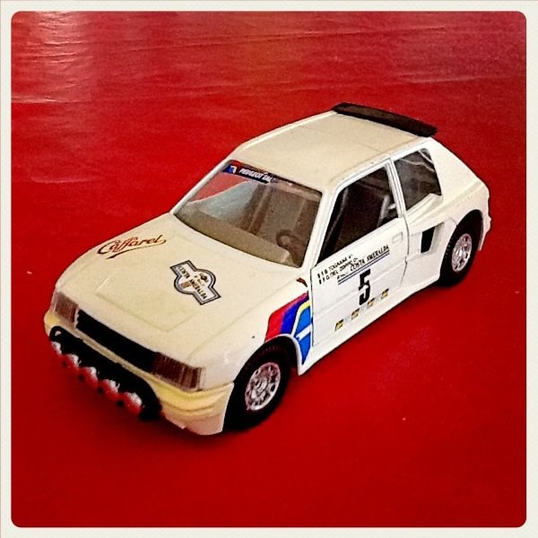 Rubrique miniature collection: Peugeot 205 turbo 16 Burago