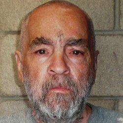 Charles Manson : biographie d'un tueur en série