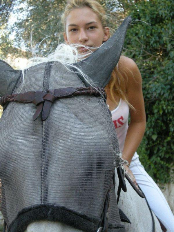 →Il en est des hommes comme des chevaux, ceux qui piaffent le plus sont en général ceux qui avancent le moins.