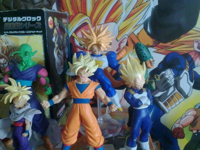 Figurine n°4 : Picolo & Trunks & Cell & Sangohan & Sangoku & Vegeta
