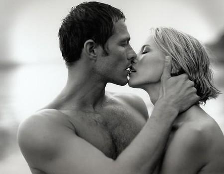 yeux fermé baiser pimenté
