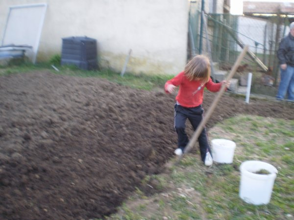 Louna au jardin