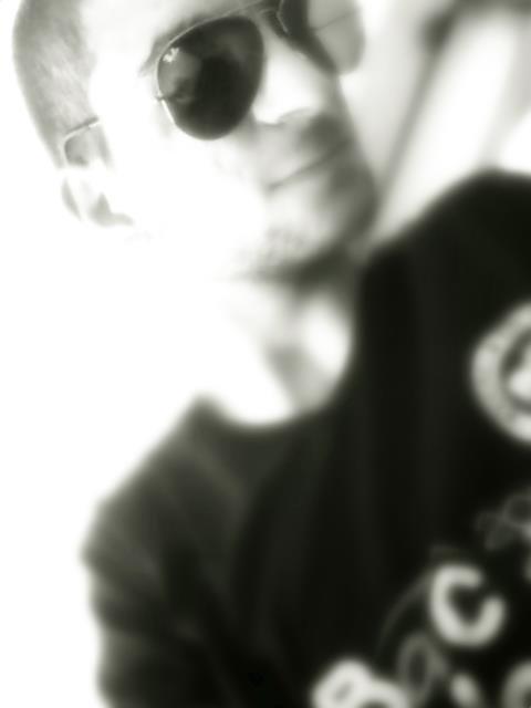 Le sourire est plus intéressant que le rire, il laisse quelque chose à deviner