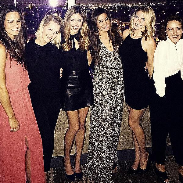 Claire était au restaurant avec plusieurs amies dont Kayla Ewell ce 30 janvier 2015.