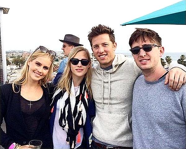 Madeline a posté une photo d'elle, Claire, Matt et Zach sur Instagram ce 6 février 2015.