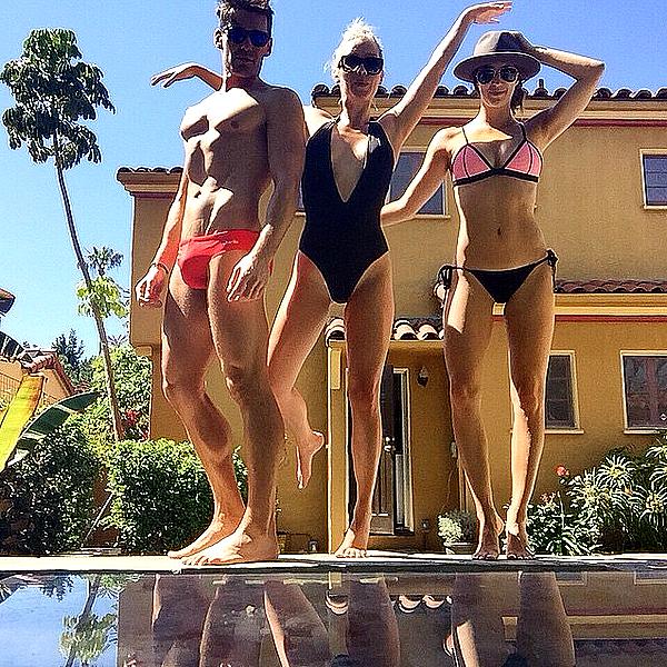 Claire a passé la journée avec sa cousine Stacey Kenealy et son ami Nick ce 27 mars 2015.