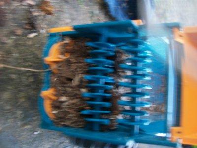 Epandage pour la préparation de semis de maïs en miniatures :) - Suite 02