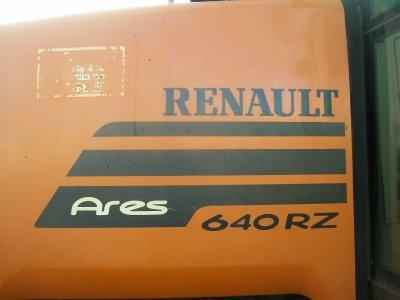 Renault Ares 640 RZ à l'ensilage :)