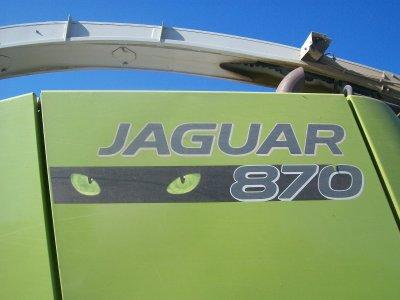 Claas Jaguar 870 ProfiStar avec un bec Claas Orbis 600 à l'ensilage :)