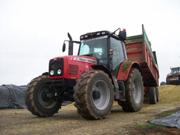Massey Ferguson 6465 et sa Cargo CP120 de l'ETA Touzé :)