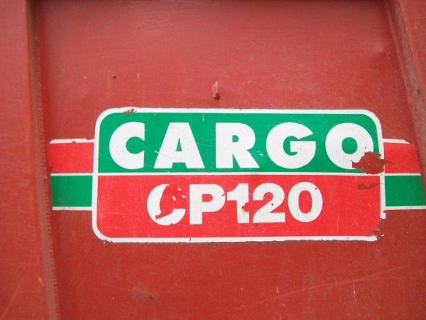 Valtra Valmet 8150 avec une Cargo CP120