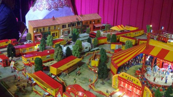 7ème Salon de la Maquette de Cirque - co-organisation Maquette club de Nemours et sa région & le CIRQUE D'HIVER BOUGLIONEd'Hiver (3)