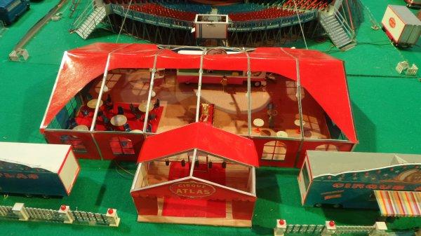 7ème Salon de la Maquette de Cirque - co-organisation Maquette club de Nemours et sa région & le CIRQUE D'HIVER BOUGLIONEd'Hiver (4)