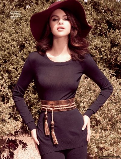 Selena VS Taylor