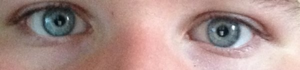 Mes yeux dont tous le monde rêve que je leur donne :D