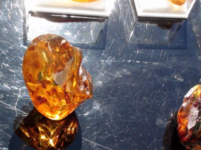 LOT 4 : vente 21 ambre balte (lituanie) -nodules 750 ¤