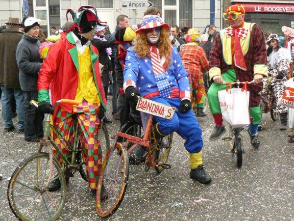 A.S.B.L. Amalibi ;  Le groupe carnavalesque amaytois les Blandina's participe au cortège carnavalesque depuis la toute première fois.