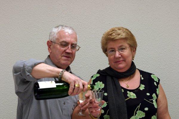 Papy et Mamy au grand coeur Amitiés à tous