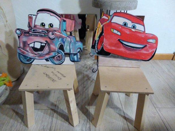 Plus qu'à peindre les 2 chaises