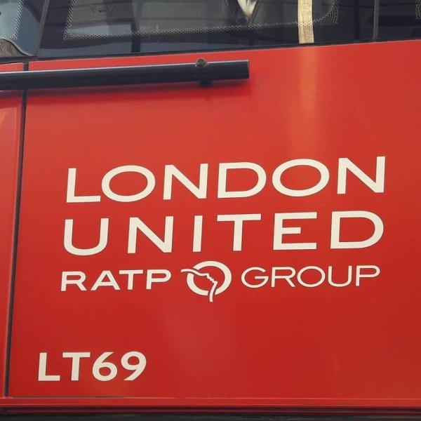 Eh oui merci Paris pour les beaux bus de Londres !!