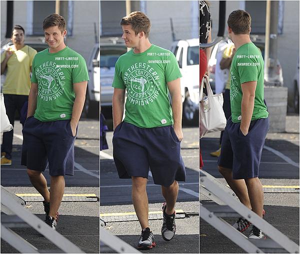 Le 24/10/2012 -  Matt Lanter,a été aperçu sur le set de la série « 90210 » avec sa co-star Anna Lynne McCord. Top: ✰✰✰✰✰