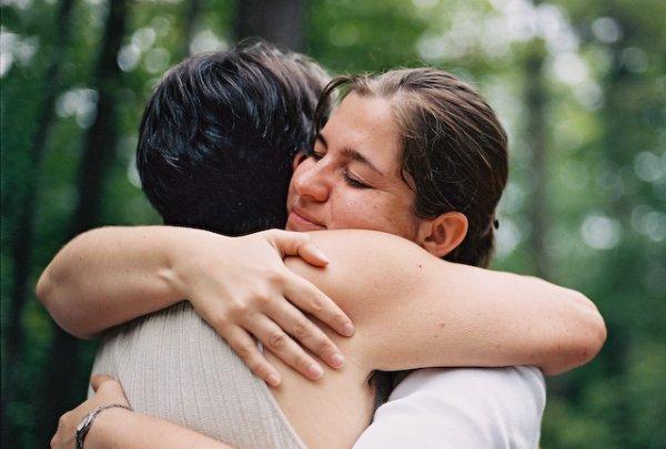 """""""L'amour, c'est des grand mots avant, des petits mots pendant et des gros mots après."""" S.Guitry"""