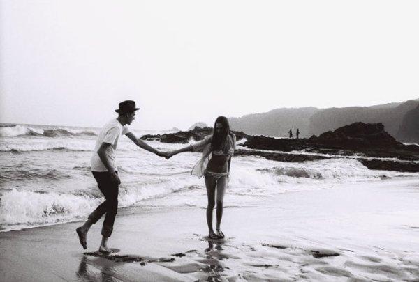 """Je sais bien que la chanson dit """" besoin de rien, envie de toi """". Mais en ce moment ce serait plutôt """" envie de rien, besoin de toi... """""""