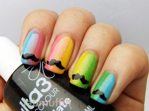 Nail art moustache SWAG <3