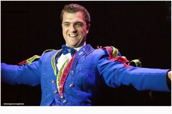 L'homme aux perroquets du Cirque Bouglione