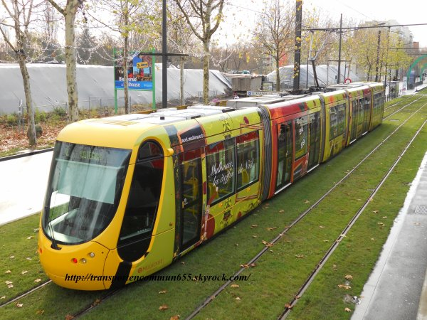 Quatres nouvelles rames de tramways pélliculé