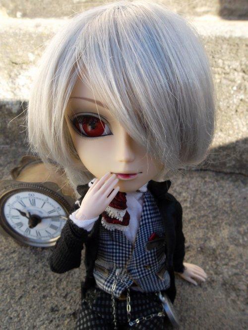 Mon petit monsieur avec son obitsu!