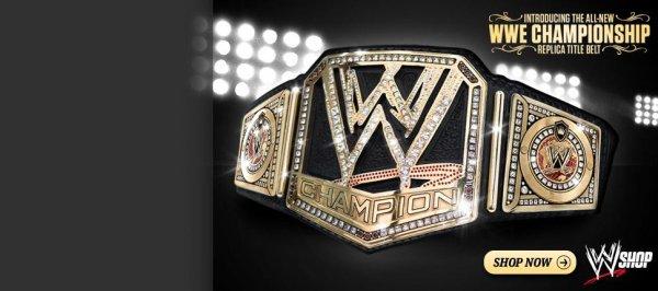 - The Rock est le premier avec la nouvelle ceinture WWE ! -