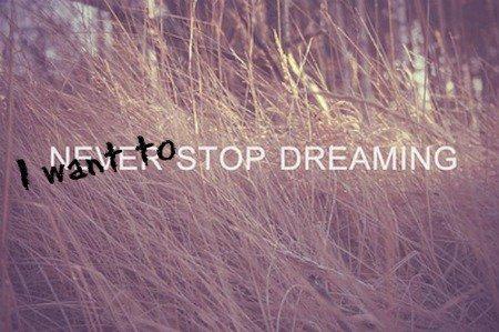 Journal d'une adolescente aux rêves prémonitoires.