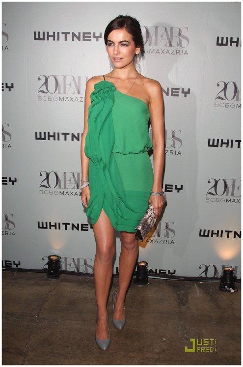 18fda8ea59e Camilla Belle .     Le concept de la robe verte me plait vraiment