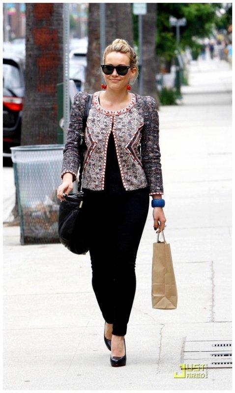 *  * Hilary Duff .