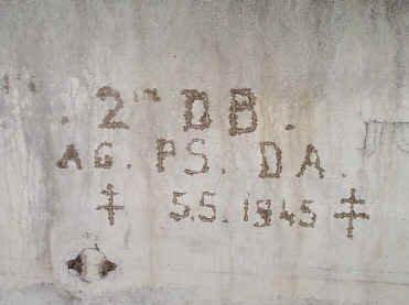 Une inscription française dans les bunkers souterrains du Berghof