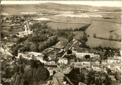 Vue aerienne du château en 1961