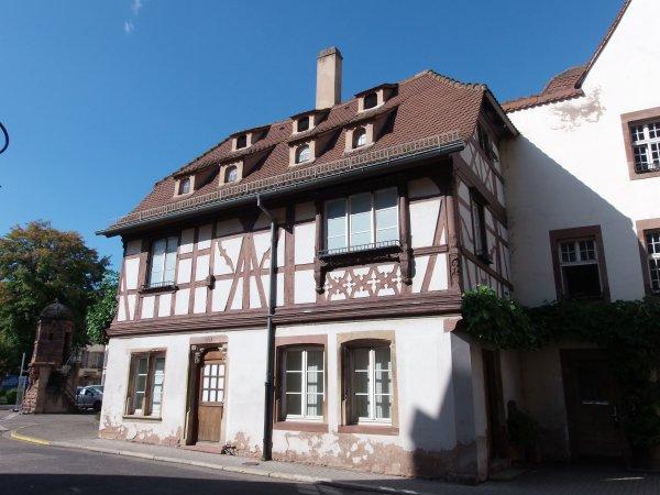 Sources insolites en Alsace : la maison à colombages