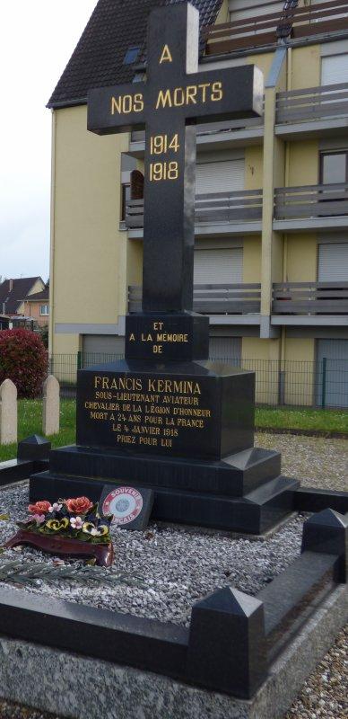 Monument en mémoire de Francis Kermina - carré militaire du cimetière de Haguenau